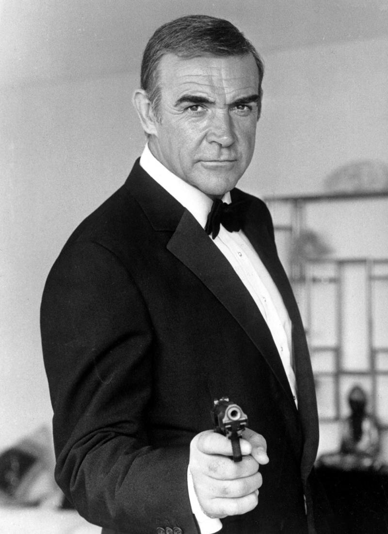 """Шон Коннери в роли агента 007 в фильме «Никогда не говори """"никогда""""»"""