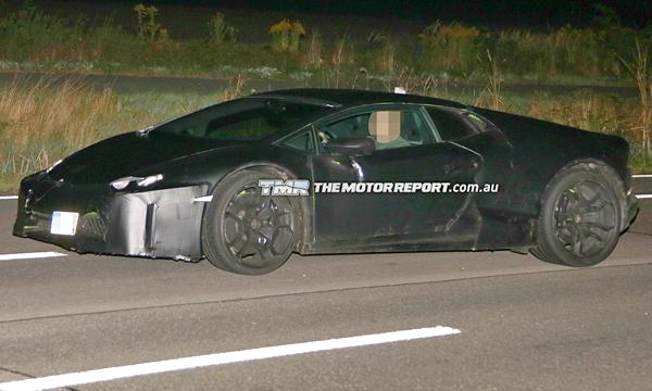 Lamborghini Cabrera заметили на тестах