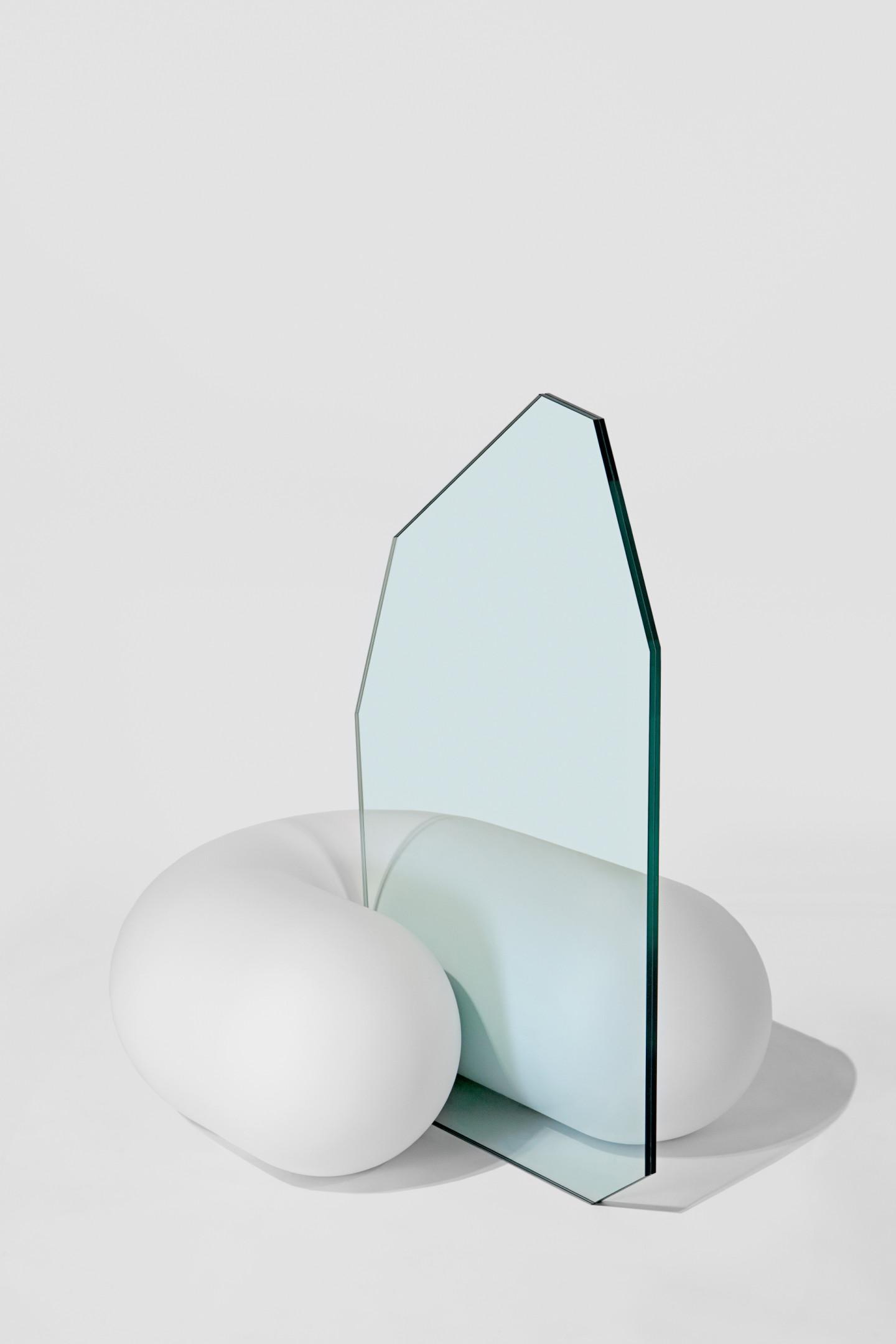 Стул Set No. 6 Sausage, дизайн müsing–sellés, галерея fābula. Международная ярмарка современного искусства Cosmoscow 2020