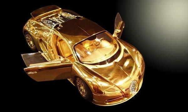 Золотая моделька Bugatti Veyron стоит 2,4 млн евро