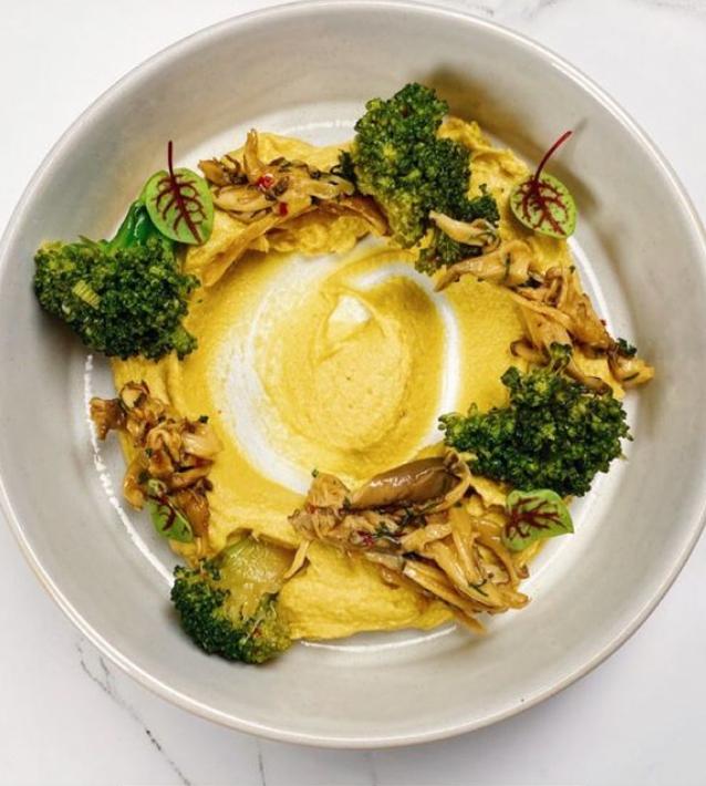 Хумус из тыквы с брокколи мисо