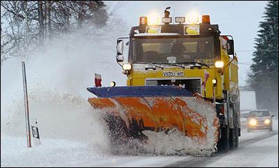 Как убирают снег на дорогах Европы