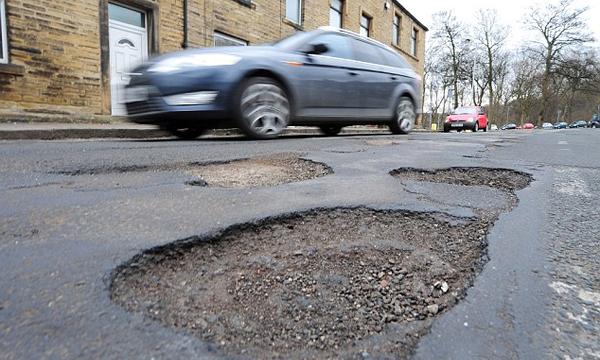 В дорожных ямах обвинили движение земной коры