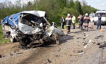 Два грузовика перегородили трассу Н. Новгород – Киров