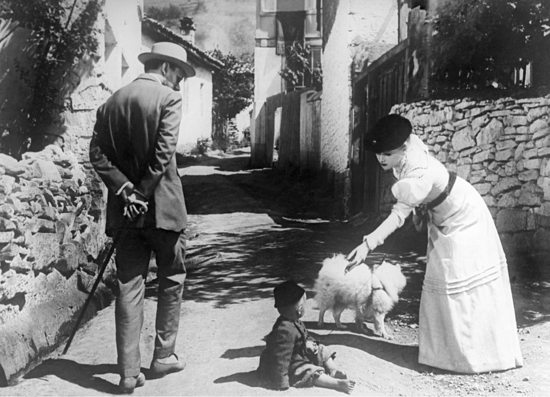Кадр из фильма «Дама с собачкой»