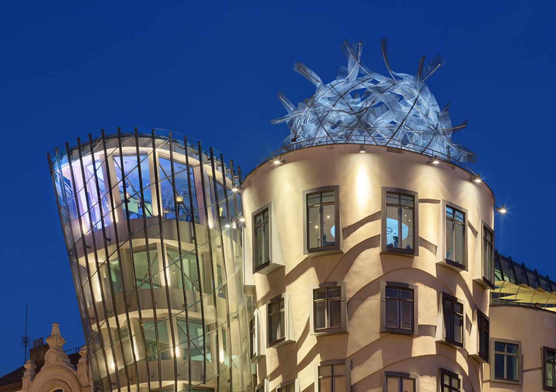 Крыша Танцующего дома
