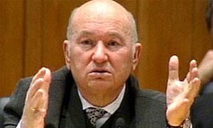 Лужков отказался от идеи создания водного такси в Москве