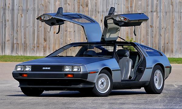 DeLorean и еще 7 автомобилей, которые путешествовали из прошлого