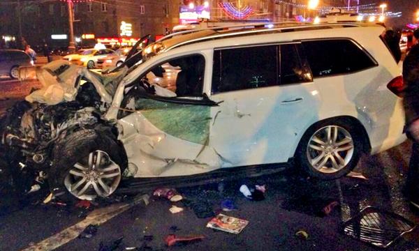 Вице-премьер Дагестана лично управлял машиной в момент катастрофы