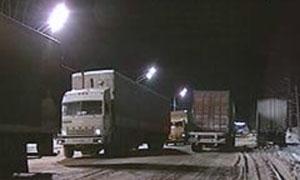 Снегопад парализовал движение на трассе М5-Урал