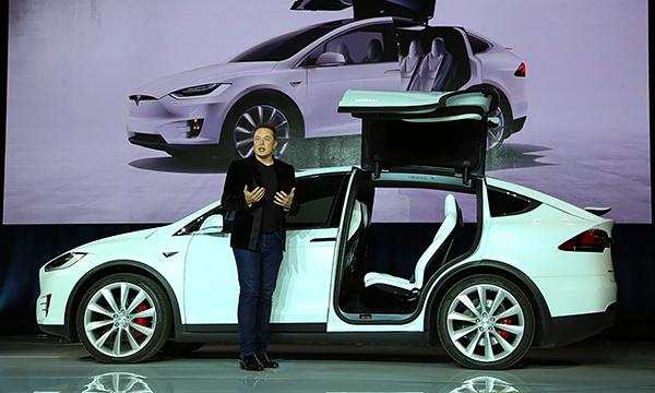 Главу Tesla Илона Маска обвинили в неуважении к клиентам