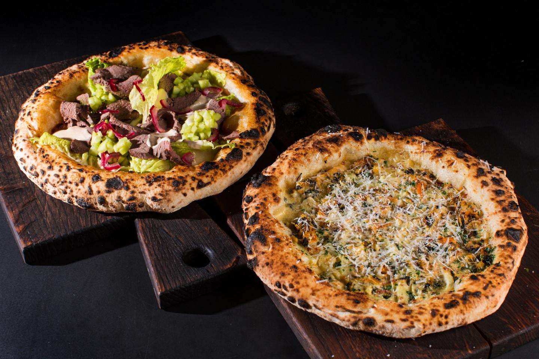 Пицца с ростбифом из оленя и неаполитанская пицца с мидиями