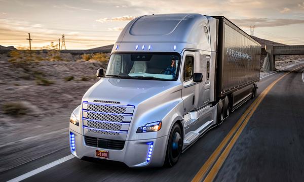 В США грузовикам с автопилотом разрешили ездить по дорогам