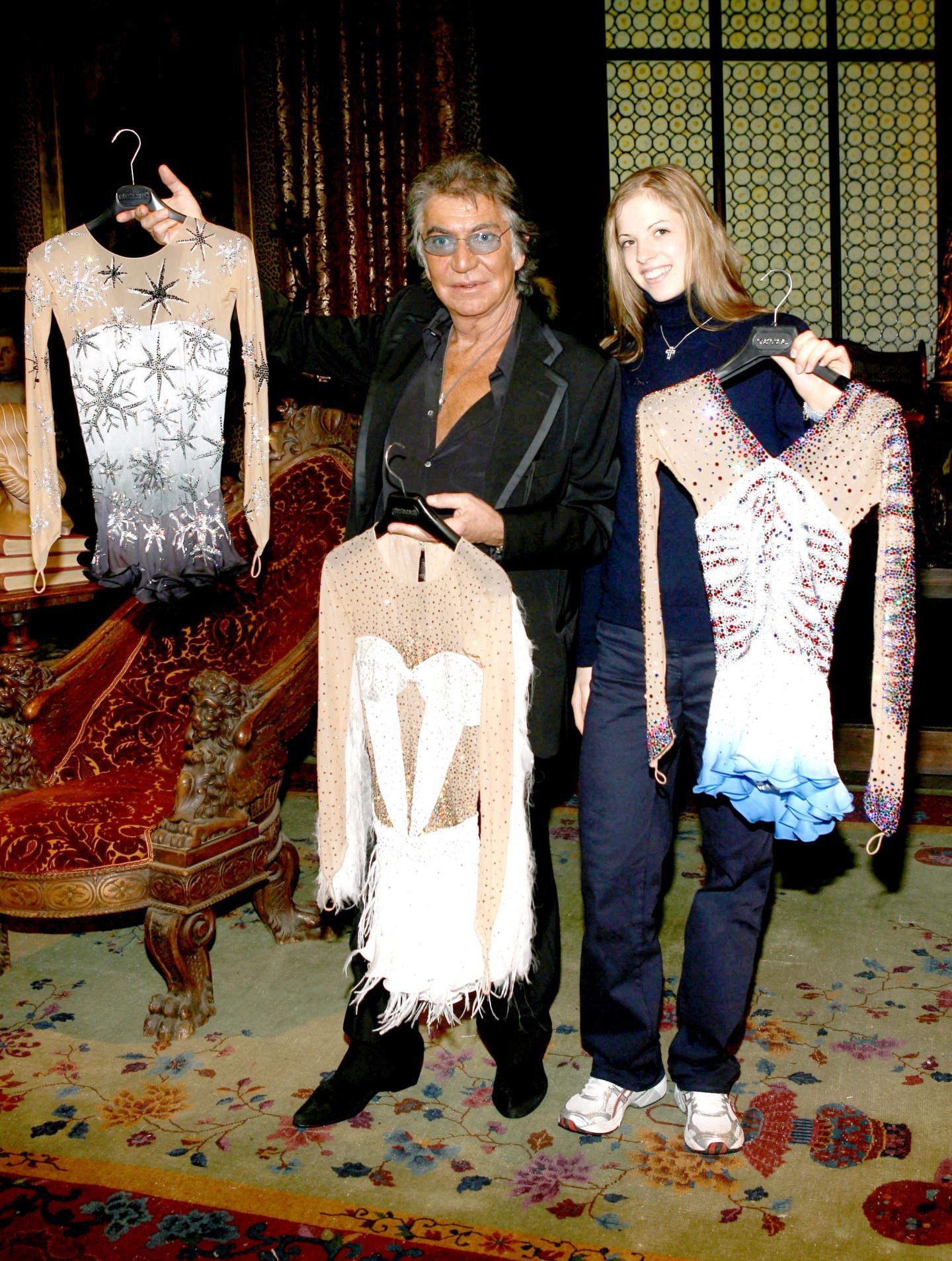 Роберто Кавалли и Каролина Костнер во время Недели моды в Милане, 2006