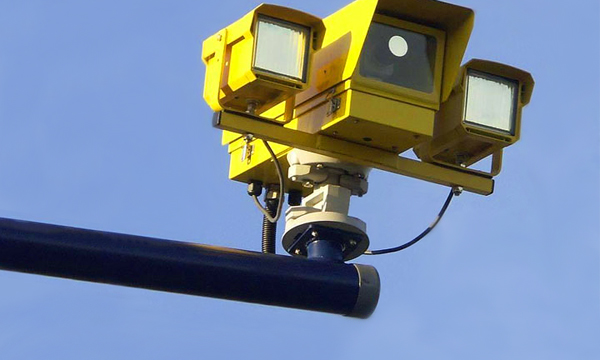 Новые камеры научатся фиксировать нарушения под углом