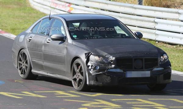 Новый Mercedes-Benz C-Class AMG получит 4,0-литровый мотор