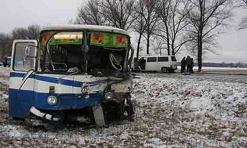 В Мурманской области столкнулись автобусы, десятки раненых
