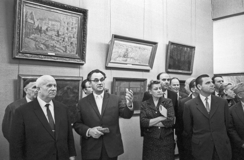 Никита Хрущев на выставке в Манеже, 1962 г.