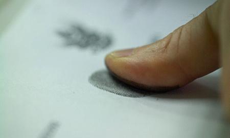 У водителей будут брать отпечатки пальцев