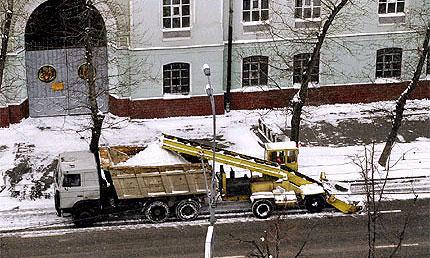 В Москве увеличили на 20% число снегоуборочных машин