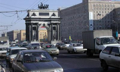 Средняя скорость движения транспорта в Москве упала на 10%