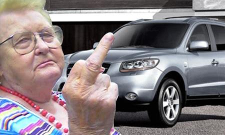 Психически больная пенсионерка угнала внедорожник в Карелии