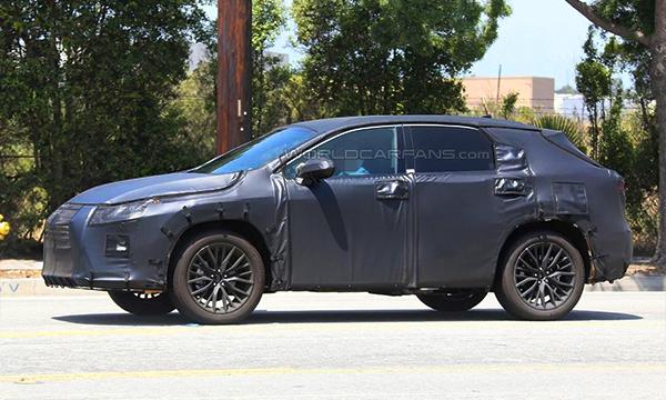 Семиместный Lexus RX впервые замечен на тестах