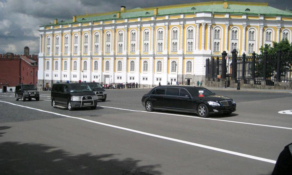 На чем будут ездить Медведев и Путин