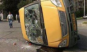 В Новороссийске перевернулось маршрутное такси