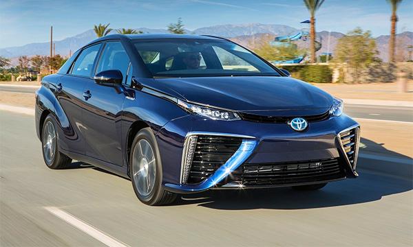 Toyota откажется от выпуска бензиновых автомобилей к 2050 году