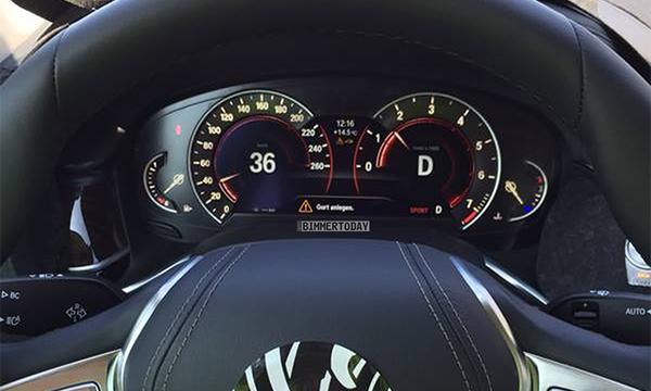 Опубликованы фотографии салона BMW 7-Series
