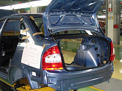 За год АвтоВАЗ продал 719 тысяч автомобилей и автокомплектов