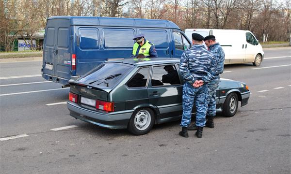 В Москве для поимки подозреваемого в убийствах водителей отключили светофоры