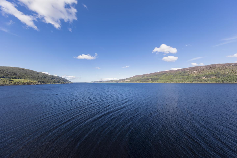 Озеро Лох-Несс в Шотландии