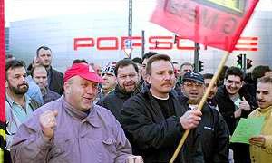 Porsche премирует каждого сотрудника 5000 евро