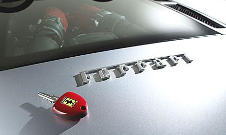 Ferrari протаранил УАЗ Patriot в Москве