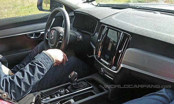 Опубликованы первые фотографии салона Volvo S90