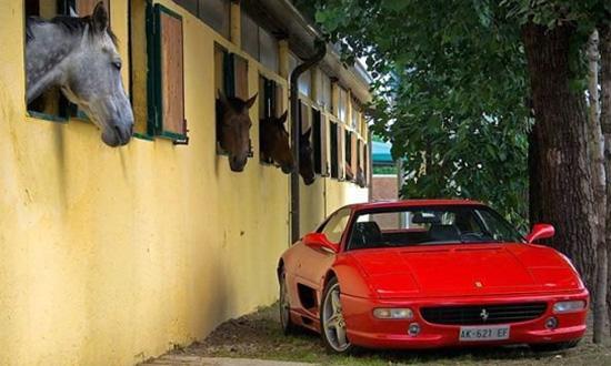 Volkswagen хочет купить Ferrari