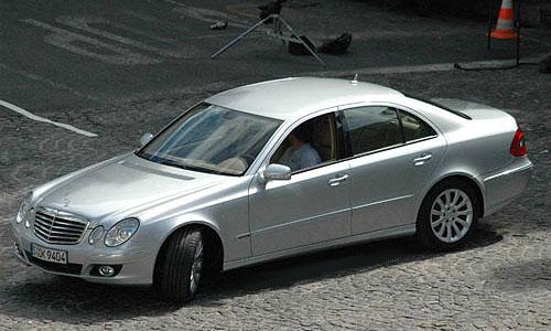 На мотор-шоу в Нью-Йорке Mercedes представит обновленный Е-класс