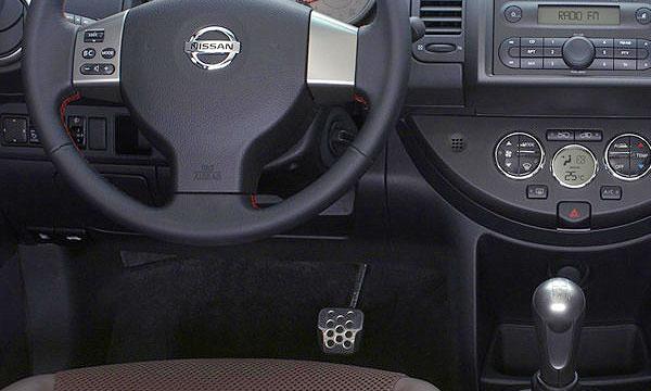 Nissan объединил торможение и ускорение в одной педали