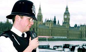 Британские полицейские нуждаются в броне