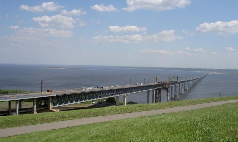 В Ульяновске открылся 13-километровый мост через Волгу