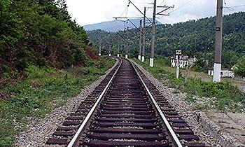 Новые трассы построят над железными дорогами