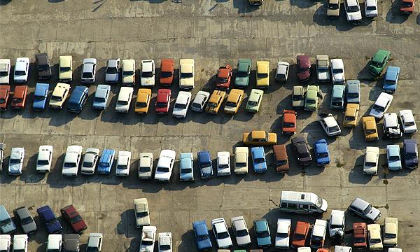 Брошенные на штрафстоянках машины будут продавать
