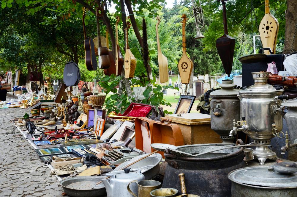 Блошиный рынок на Сухом мосту
