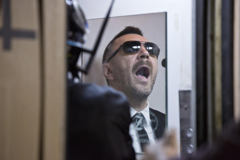 Сергей Шнутов на съемках фильма