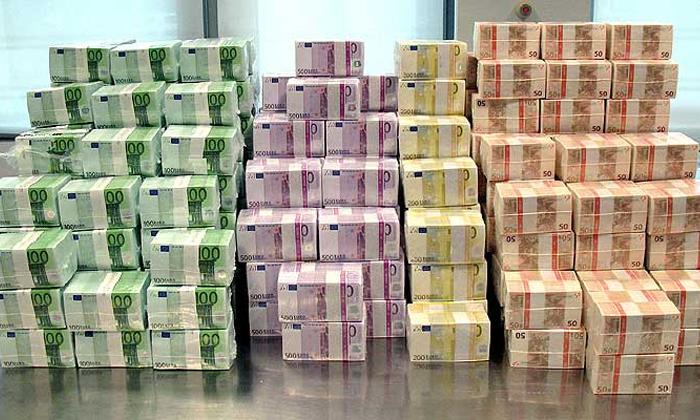 Мошенник купил партию автомобилей за фальшивые 300 тысяч евро