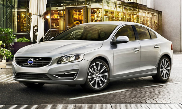 Полноприводный Volvo S60 стал дешевле на 700 тысяч рублей