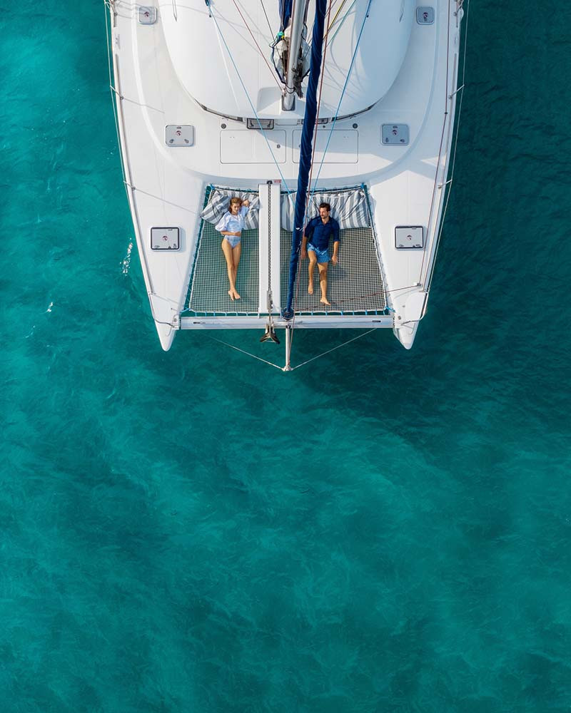 Гости Sani Resort могут совершить прогулку на яхте
