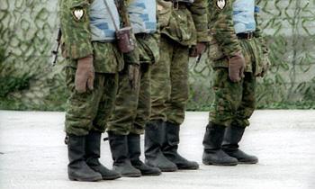 В Ростовской области прапорщик протаранил колонну солдат, есть раненые